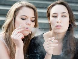 Smoking Raises Serious Heart Attack Risk In Young Women
